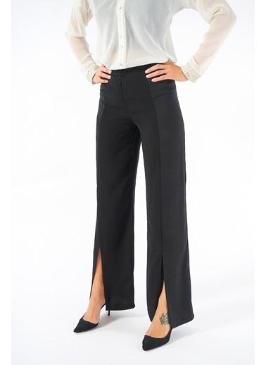 Women&Women Yüksek Belli Siyah Saten  Yırtmaçlı Pantolon Siyah